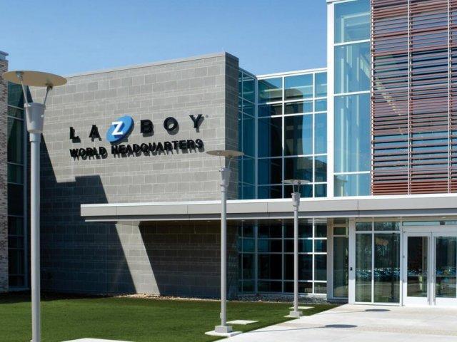 La-Z-Boy Incorporated тикер LZB отчитывается лучше ожиданий
