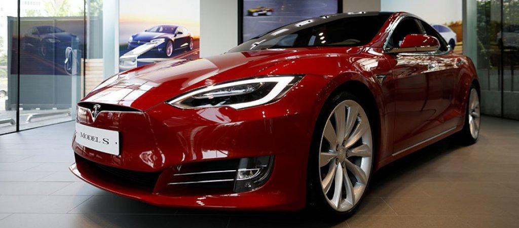 Илон Маск будет выпускать электромобиль Тесла в Китае