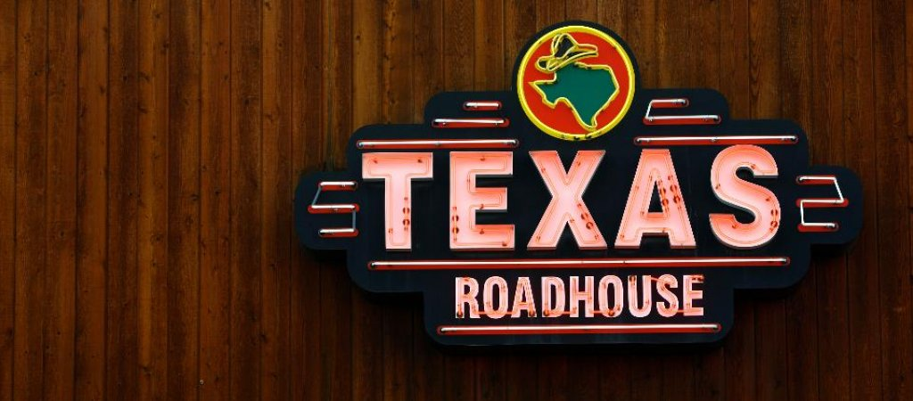 exas roadhouse essay Scholarship overview scholarships are an important part of our mission we manage 34 scholarship funds and in 2012, we awarded over $630,000 in scholarship money which is helping many students reach their full potential in high schools, colleges and continuing education across the country.